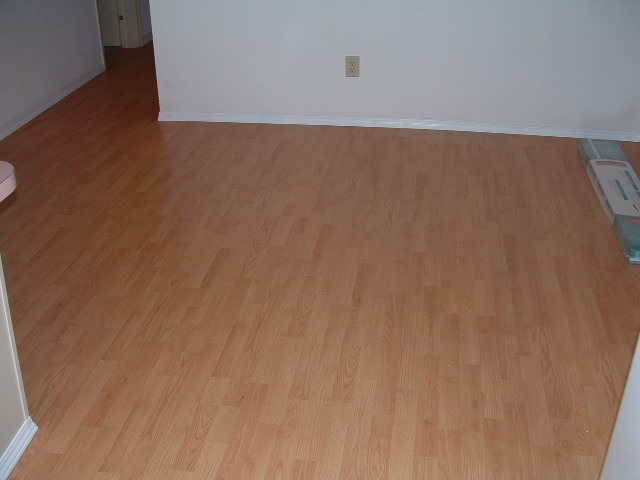 Laminate flooring surface source laminate flooring for Armstrong laminate flooring installation