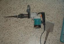 Makita Jack Hammer for removing ceramic tile