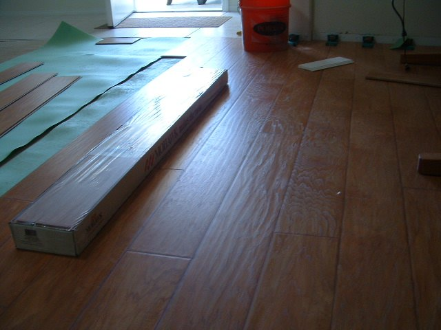 Mohawk laminate flooring review hemisphere collection for Mohawk laminate flooring