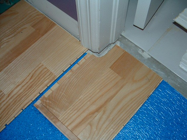 Making A Curved Cut With A Jig Saw In Laminate Flooring