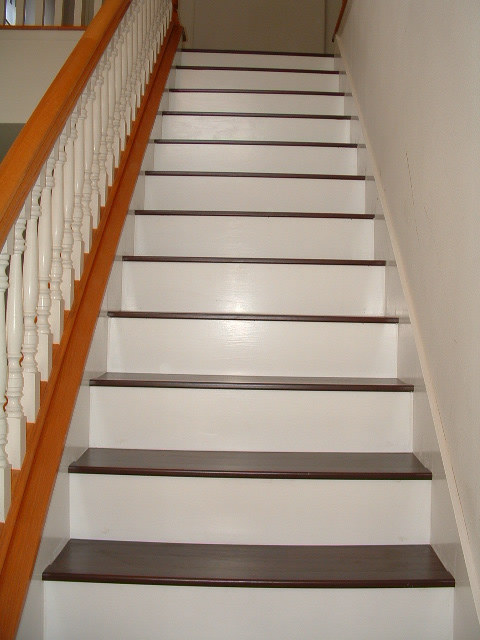 Laminate Flooring on Stairs is More Detailed Than Installing the Floor
