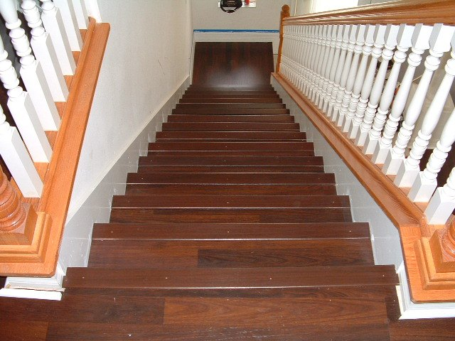 Nice Stair Nose At The Top Stair Mohawk Laminate