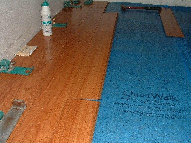 Vanier laminate flooring review for Laminate flooring techniques