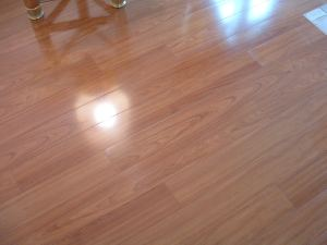 Vanier laminate flooring color:Doussie close up photo