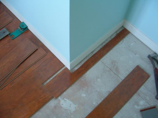 Laminate Flooring Cutting Laminate Flooring With Hand Saw
