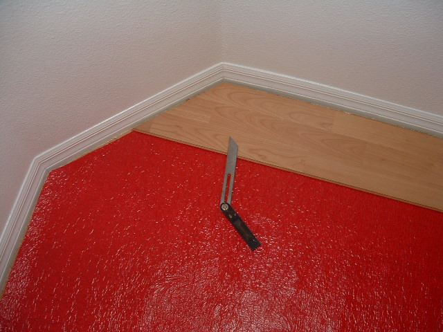 Installing Laminate Cutting Angles Diy, How To Measure Angle Cuts For Laminate Flooring