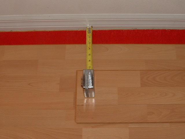 Installing The Last Row Of Laminate Flooring Now I Measure Other End
