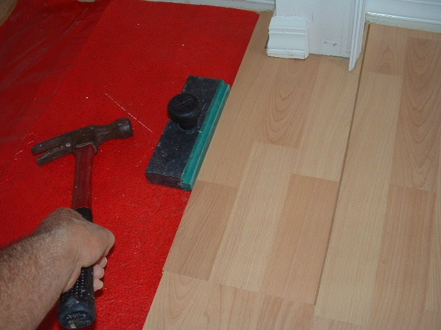 Tools Needed To Install Laminate Flooring the pull bars that are sold in the laminate installation kits are basically just a heavy metal Specialized Laminate Flooring Tools