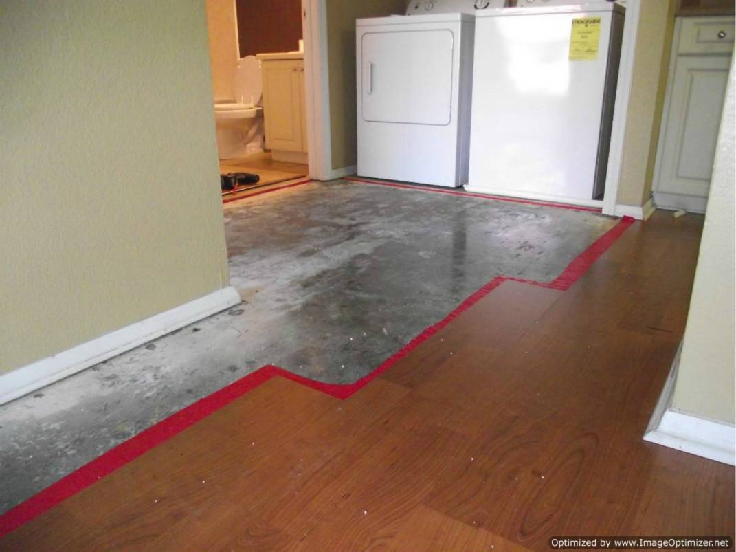 Repair wet laminate flooring do it yourself for Diy laminate flooring