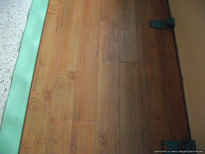 Toklo 15mm laminate flooring,Roasted Hazelnut
