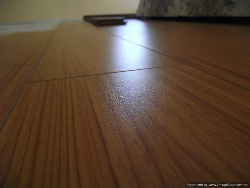 Lamton American Cherry laminate flooring, close up photo