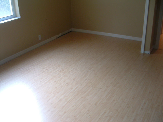 Bamboo Laminate In Bedroom