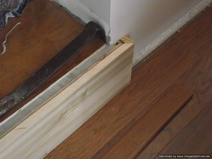 How to install laminate flooring on concrete steps gurus for How to install laminate flooring