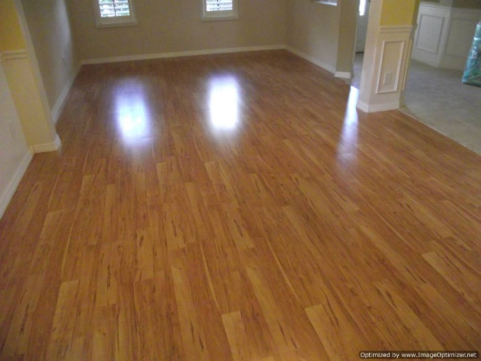 Home depots pergo presto applewood review for Pergo laminate flooring