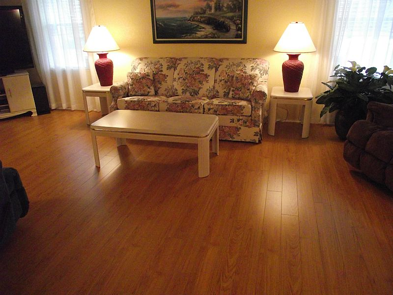 Laminate flooring reviews non biased reviews for Laminate flooring reviews